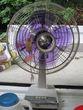 紫色の扇風機