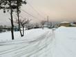 雪の坂道 タイヤの跡