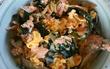 昨夜のサケのあらとニラとエリンギの炒め煮+卵