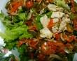 作り置きしていた鳥ささみと味付けピーマンとグリーンリーフのサラダ