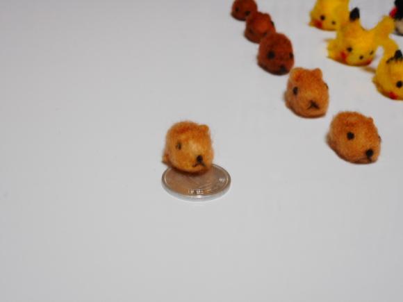 巨大ネズミと一円玉