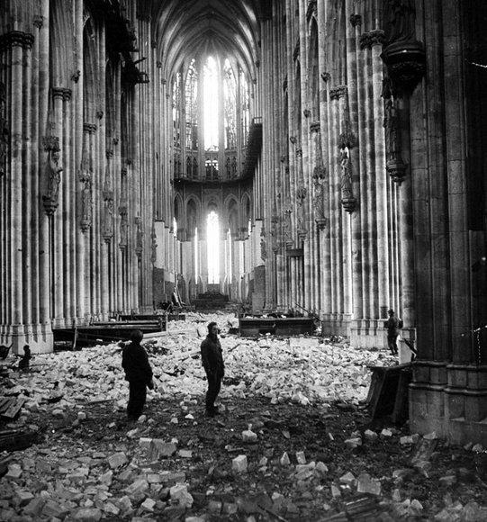教会の廃墟