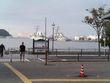 横須賀駅前から海