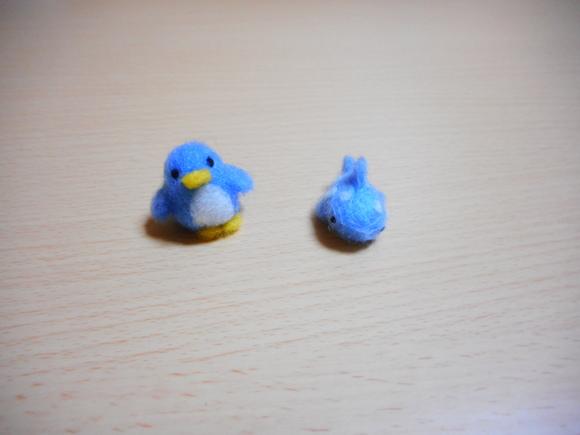 アデリーペンギンとジンベーザメ