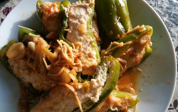 ピーマンの肉詰め(お肉は鳥ミンチで)減塩しょうゆ+生姜